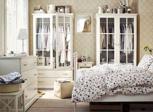 Как расставить мебель в спальне (21)