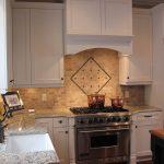 Фото 40: Установка кухонной вытяжки в нише