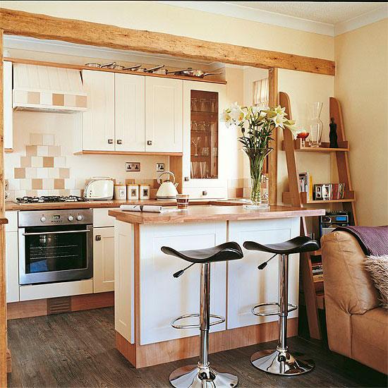 В маленьких квартирах гостиная, объединенная с кухней, может стать необходимостью