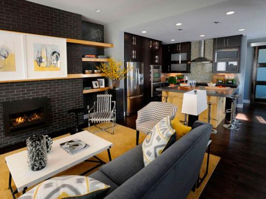 Предметы мебели в зоне гостиной часто объединяются вокруг камина или телевизора