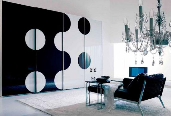 Глянцевые стеклянные раздвижные двери