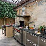 Фото 38: Летняя кухня около стены