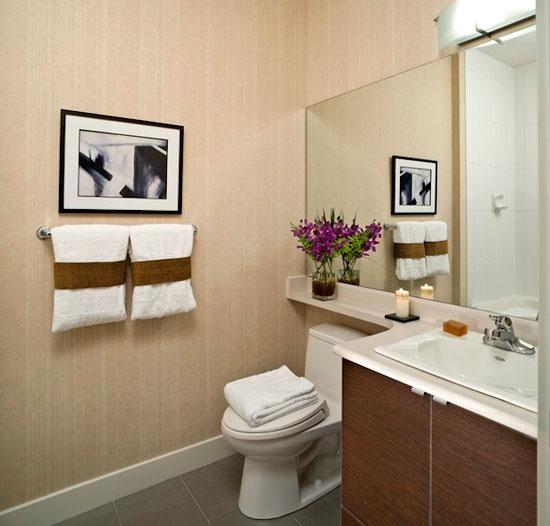 Мягкие и натуральные оттенки зрительно увеличивают площадь маленькой ванной