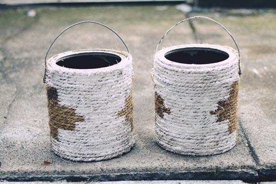 Цветочные горшки из банок для краски и бечевки  после окрашивания