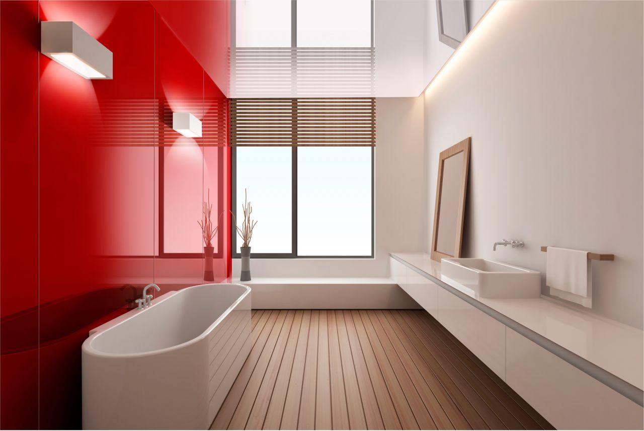 Интерьер ванной в красно-белых тонах с помощью крупных пвх-панелей