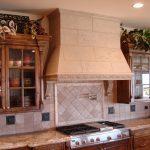 Фото 45: Кухонная вытяжка под камень