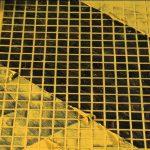 Фото 35: Желтая затирка на черной плитке