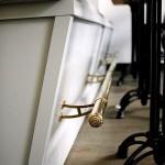 Фото 21: Барная стойка для кухни с подножкой