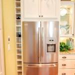 Фото 18: Двухстворчатый холодильник на встроенной кухне фото