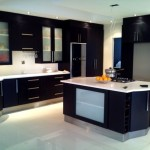 Фото 4: Большая черная кухня