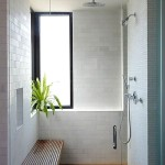 Фото 4: Вертикальное окно в бане