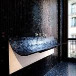 Фото 2: Черный кафель для ванной комнаты