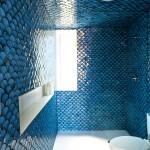 Фото 23: Синий кафель для ванной комнаты