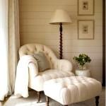 Фото 24: Кожаное кресло с пуфиком