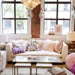 Фото 38: Мягкая мебель для гостиной фото на фоне окна