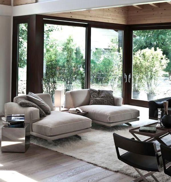Большой серый диван для гостиной