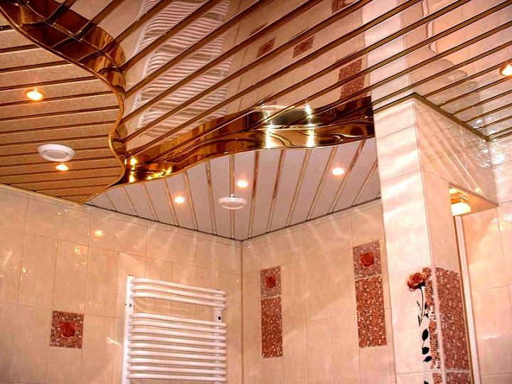 Элитный реечный потолок вполне уместен и в небольших пространствах хрущевок