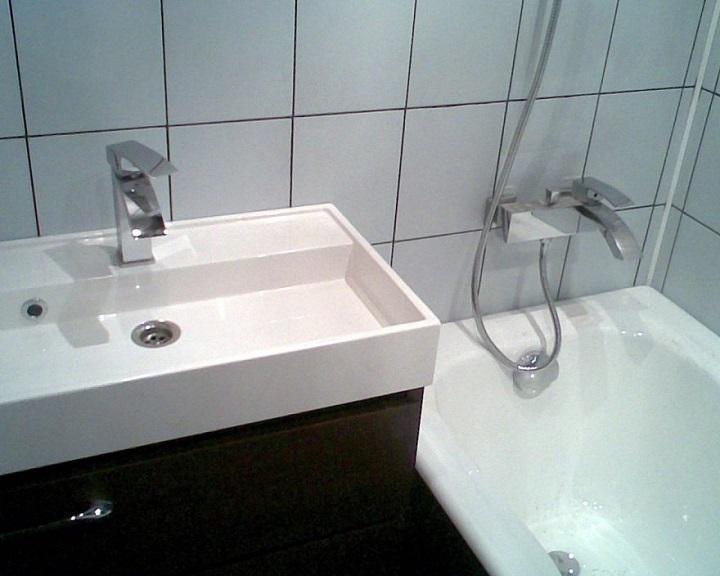 Смесители, душ подключаются к водяным розеткам, обеспечивая высокую эстетику восприятия