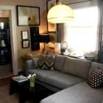 Фото 11: Серый диван напротив окна