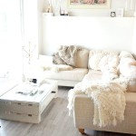 Фото 27: Белый диван в уютном интерьере