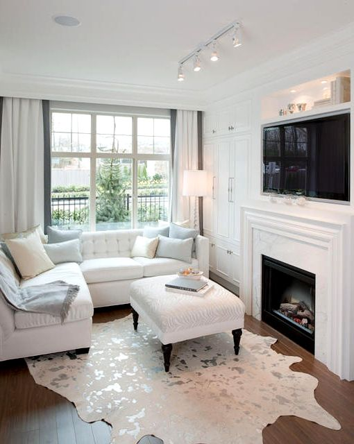 Белый п-образный диван