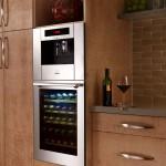 Фото 32: Холодильник для вина и кофемашина
