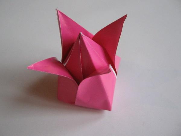 Бутон тюльпана из бумаги