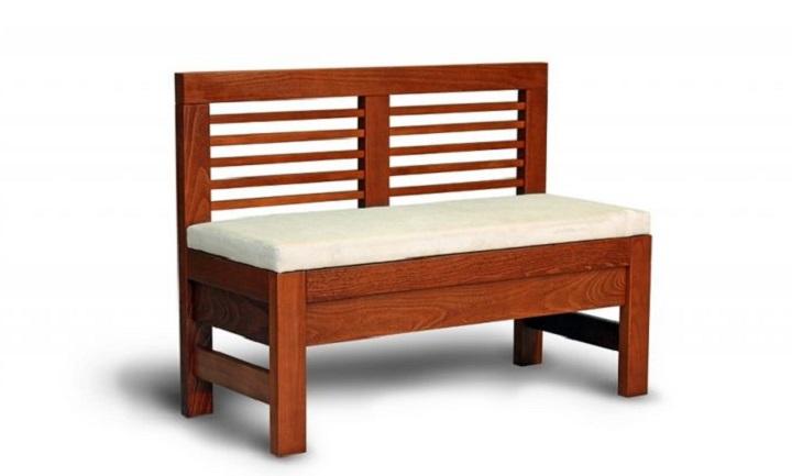 Деревянный диванчик в прихожую