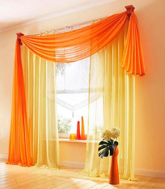 Оранжевые занавески в интерьере