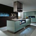 Фото 50: Кухня в стиле хай-тек с подсветкой