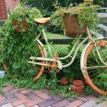 Фото 71: Использование старого велосипеда как цветника