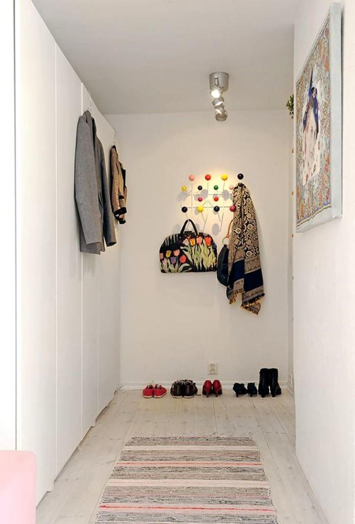 Шкаф в прихожей с обувью