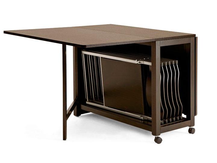 Складные стулья внутри стола