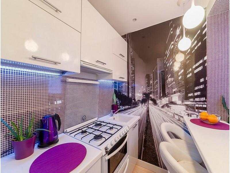 Фотообои на кухне для расширения пространства