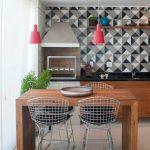 Фото 60: Геометрические обои на кухне