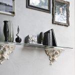 Фото 61: Полка из стекла и лепнины