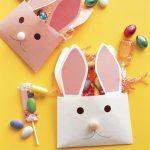 Фото 48: Конвертики под сладости в виде Пасхальных кроликов