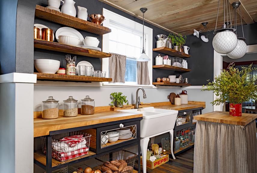Пример использования массивных полок на кухне