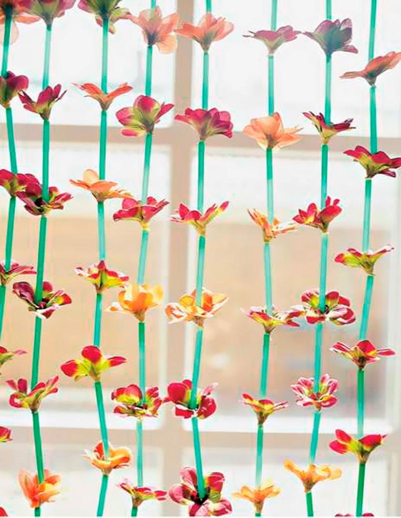 Занавески из пластиковых трубочек