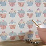 Фото 104: Съедобные обои с кексами на кухне
