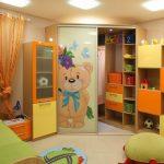 Фото 130: Угловой шкаф в детской для девочки
