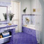 Фото 35: Дизайн ванной комнаты с помощью фиолетовой плитки