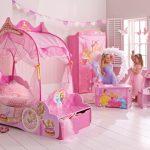 Фото 31: Кровать – карета для девочек