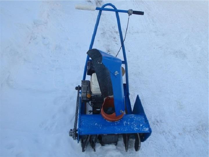 Вариант самодельного снегоуборщика, не требующего специальных навыков