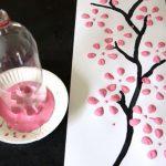 Фото 80: Цветы с помощью донышка от пластиковой бутылки и краски