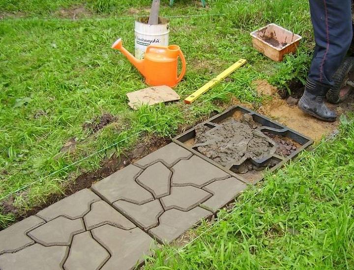Заливка тротуарной плитки своими руками по месту