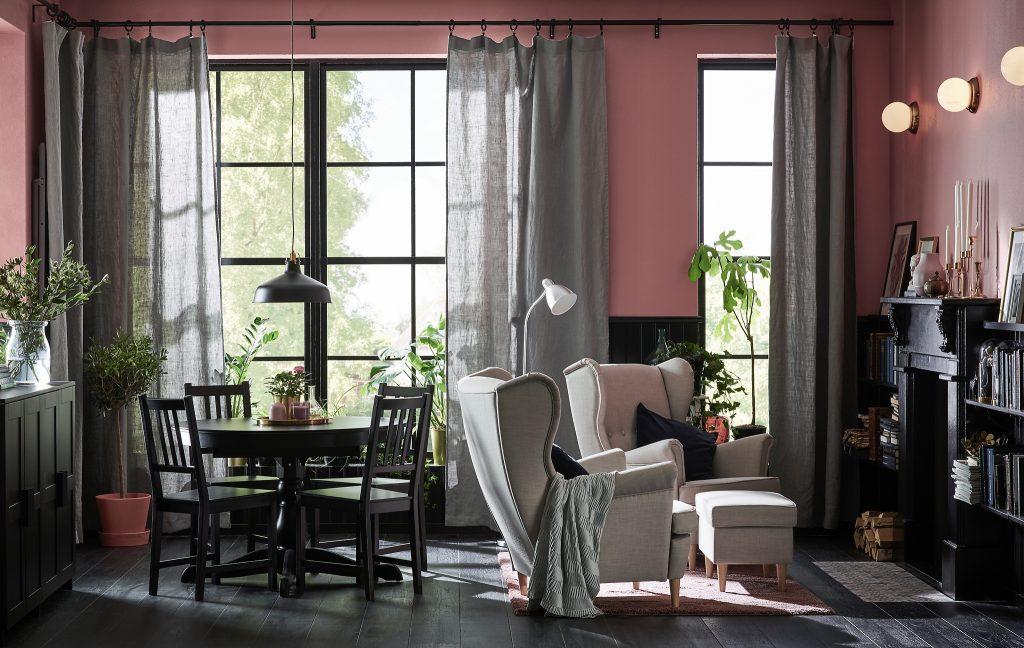 Льняные шторы в гостиной