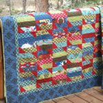 Фото 118: Одеяло из лоскутов полосок