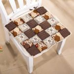 Фото 103: Лоскутная подушка на стул прованс