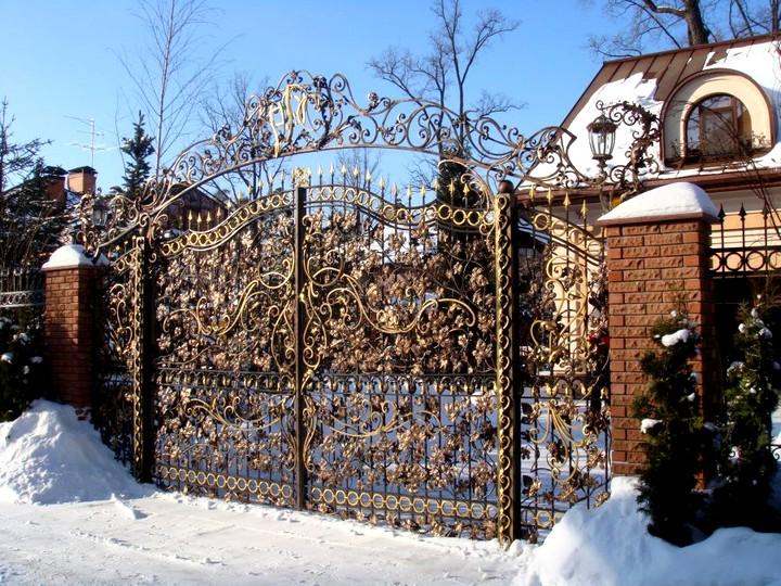 Кованые ворота и калитки модные стили
